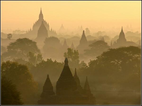 Sunrise Skyline, Bagan