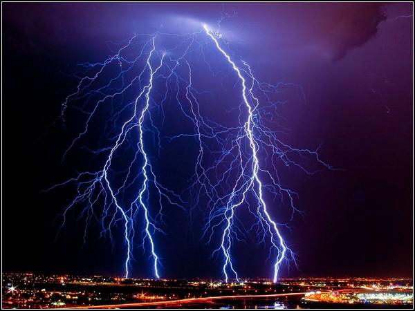 Lightning, Arizona