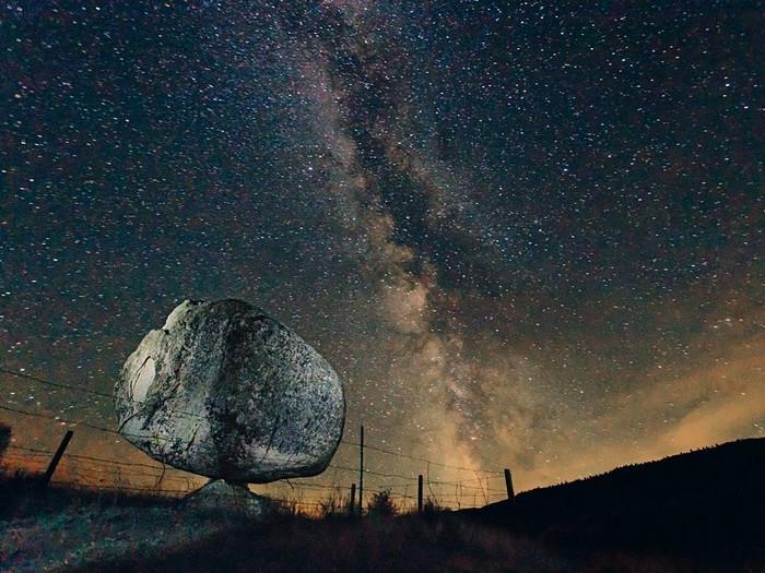 Rubbing Stone, Washington