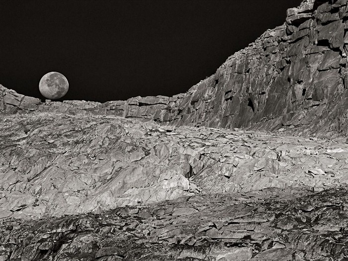Moonset, California