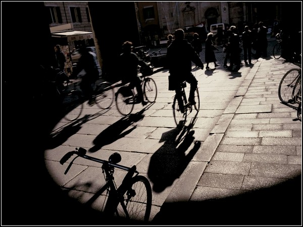 Bicyclists, Italy