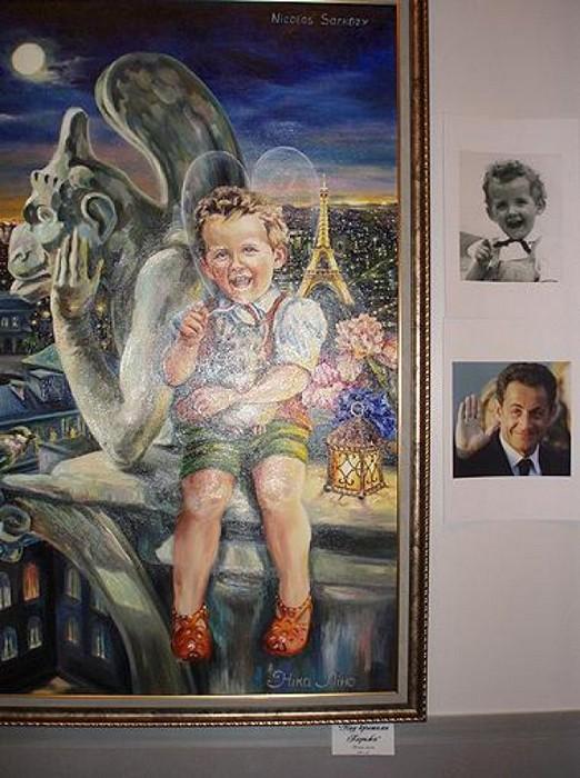 Над крышами Парижа. Президент Франции Николя Саркози в виде сказочного эльфа