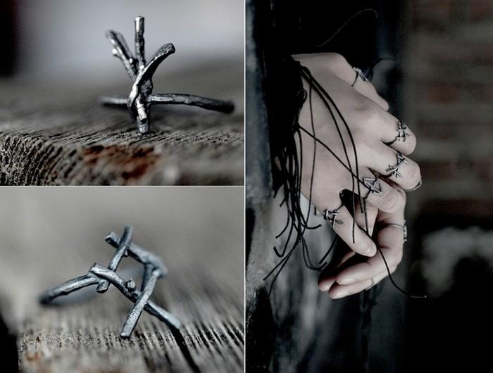 Руны Algiz и Teiwaz из серии серебряных колец от Joanna Szkiela