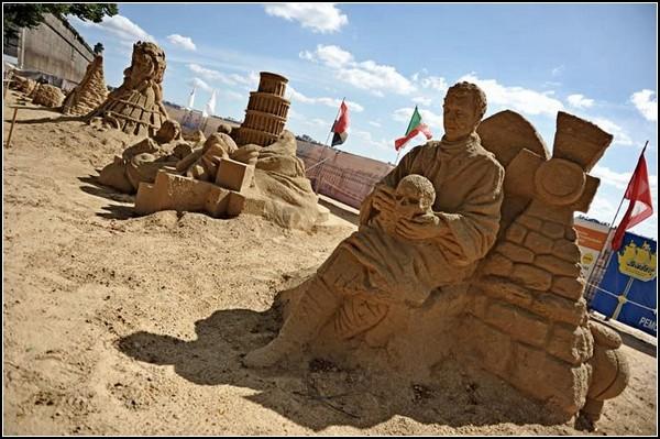 Шедевры мирового искусства. Юбилейный Х фестиваль песчаных скульптур в Санкт-Петербурге