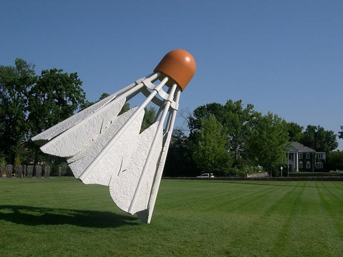 Скульптуры-переростки. Творчество Claes Oldenburg и Coosje van Bruggen