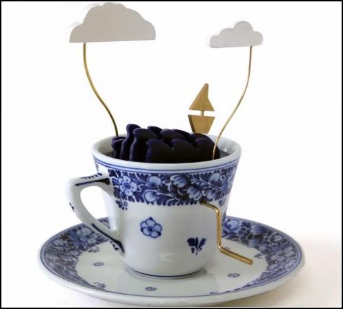 Кинетическая скульптура Storm in a Tea Cup от John Lumbus