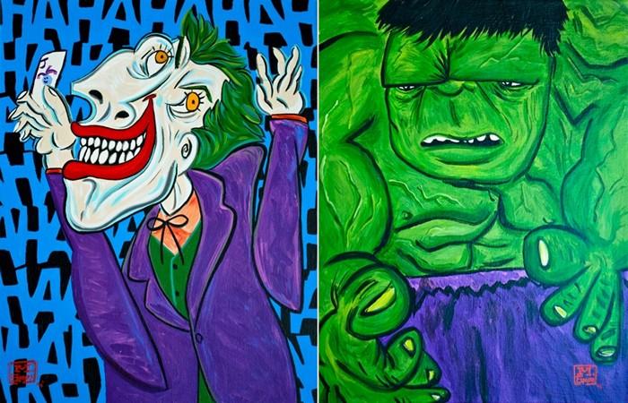 супергерой с зеленым знаком