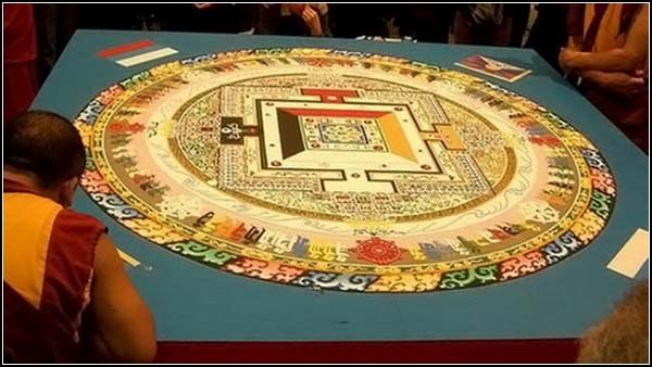 Ритуальные картины из разноцветного мрамора