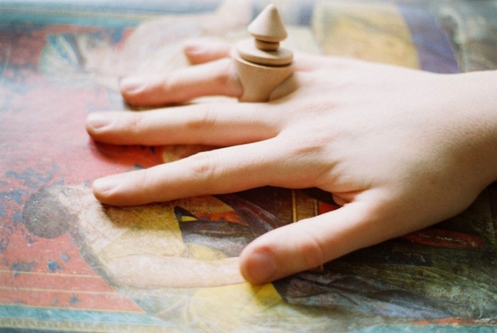 Fig. - коллекция деревянных колец от Bernardita Marambio Bello