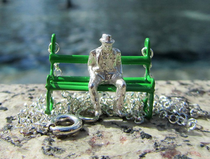 Snapshots, cеребряные и золотые украшения с мини-скульптурами
