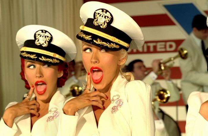 Кристины Агилера в  зажигательном клипе «Candyman»