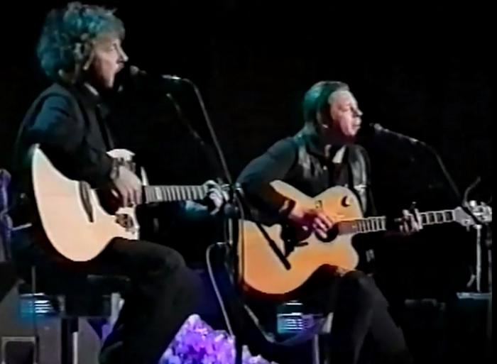 Андрей Макаревич и Борис Гребенщиков исполняют песню «Таруса».
