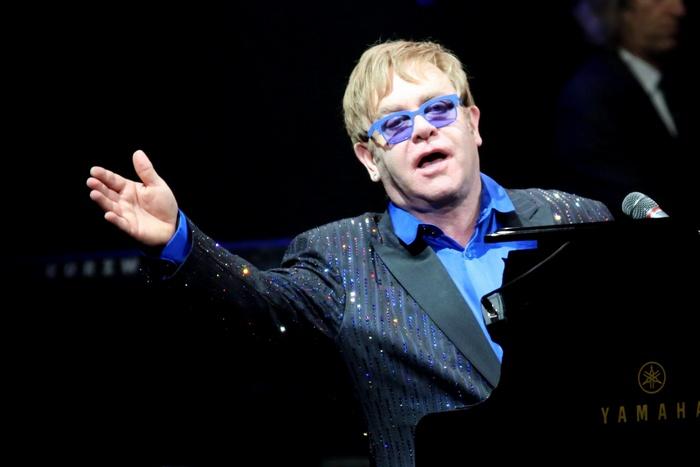 Элтон Джон – одна из самых ярких фигур в мире шоу-бизнеса.