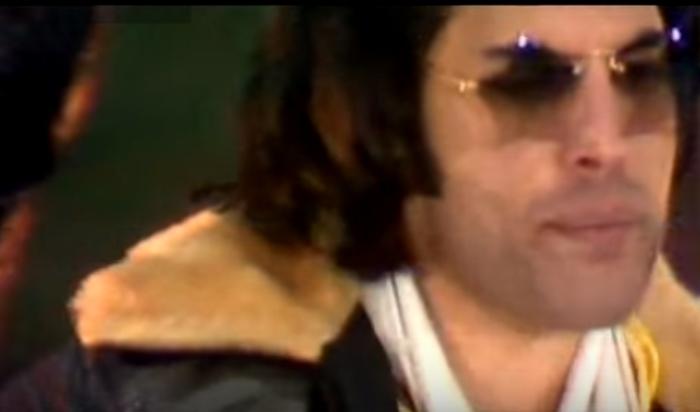 Одна из самых известных песен группы «Queen», ставшая гимном мирового рока.