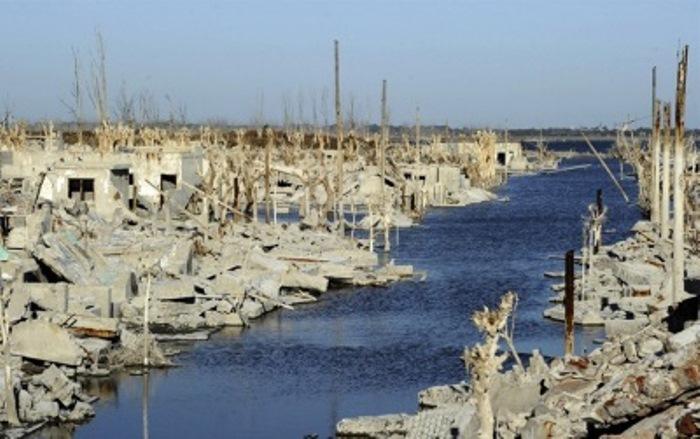 Курортный город Вилла Эпекуэн затопило