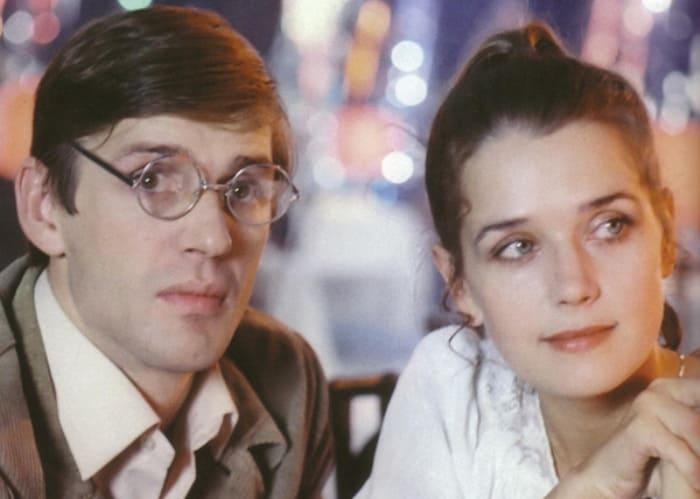 Александр Абдулов и Ирина Алферова в фильме *Предчувствие любви*, 1982 | Фото: kino-teatr.ru