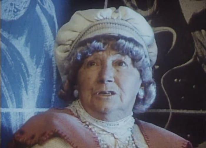 Рина Зеленая в фильме *Про Красную Шапочку*, 1977 | Фото: kino-teatr.ru