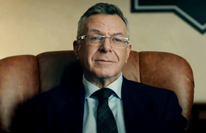 Андрей Ургант в сериале *Мажор-3*, 2018 | Фото: kino-teatr.ru