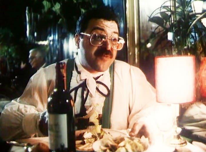 Андрей Ургант в фильме *Окно в Париж*, 1993 | Фото: kino-teatr.ru