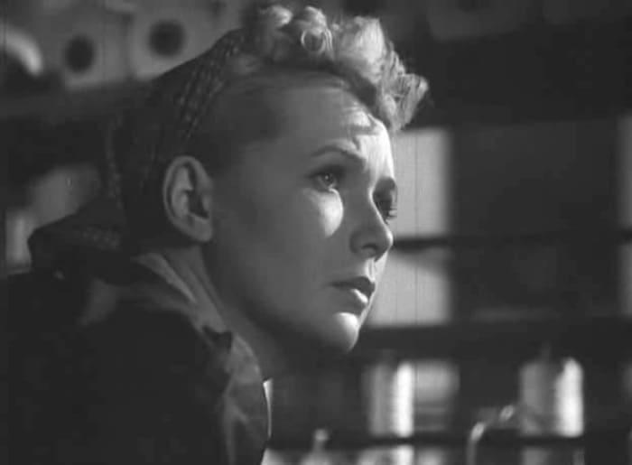 Дебютная кинороль Зои Васильковой в фильме *У них есть Родина*, 1949   Фото: kino-teatr.ru