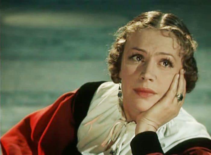 Антонина Максимова в роли жены Яго в фильме *Отелло*, 1955   Фото: kino-teatr.ru