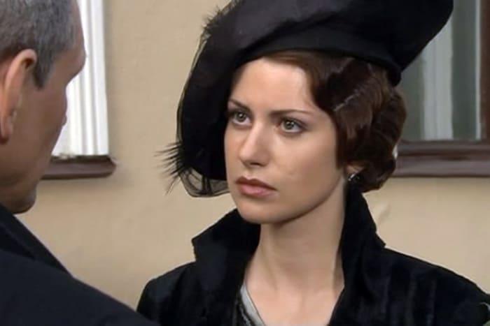 Анна Ковальчук в образе Маргариты, 2005 | Фото: kino-teatr.ru