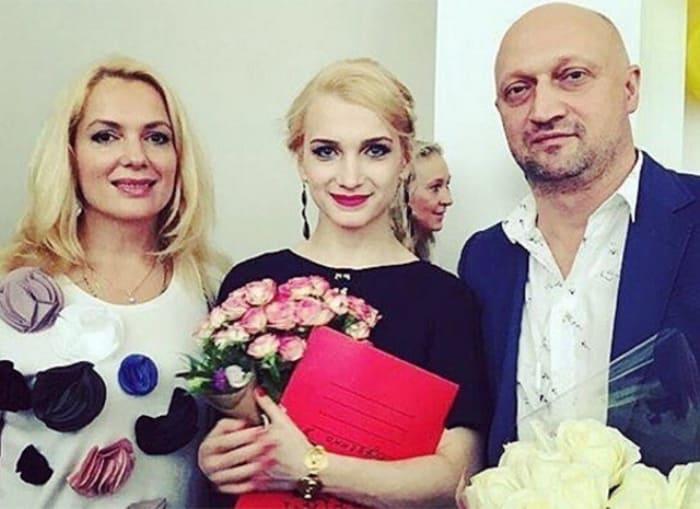 Мария Порошина, Гоша Куценко и их дочь Полина | Фото: ru.hellomagazine.com