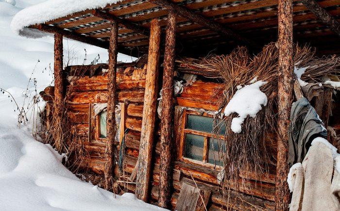 Избушка Агафьи. Фото Д. Мукимова | Фото: birdinflight.com