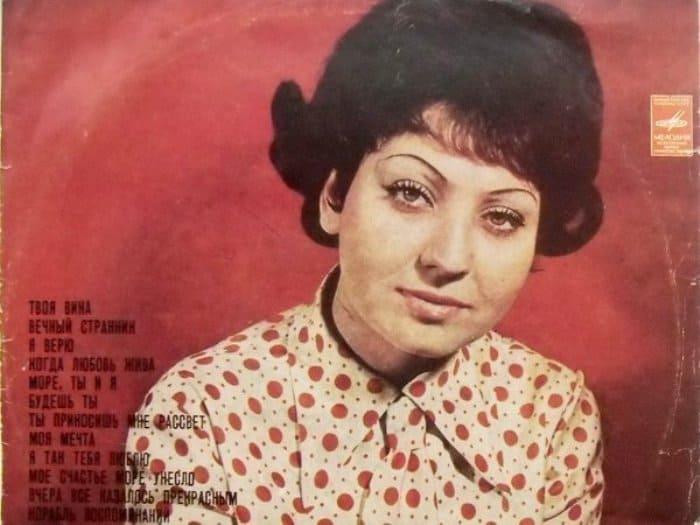 Исполнительница шлягеров из легендарных советских фильмов | Фото: polit.ru