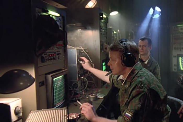 Кадр из фильма *Миротворец*, 1997 | Фото: kino-teatr.ru
