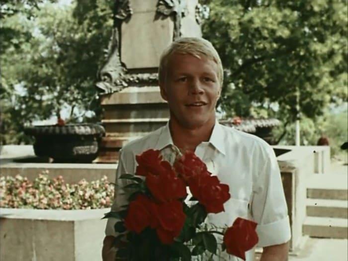 Александр Кузнецов в фильме *Приморский бульвар*, 1988 | Фото: kino-teatr.ru