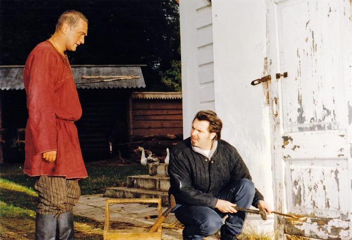 На съемках фильма *Му-Му*, 1998 | Фото: grimov.ru