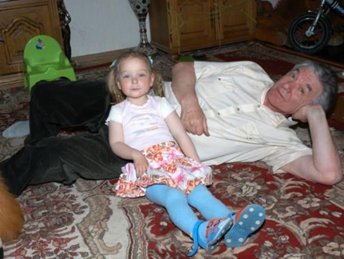 Актер с дочерью Сашей | Фото: eg.ru