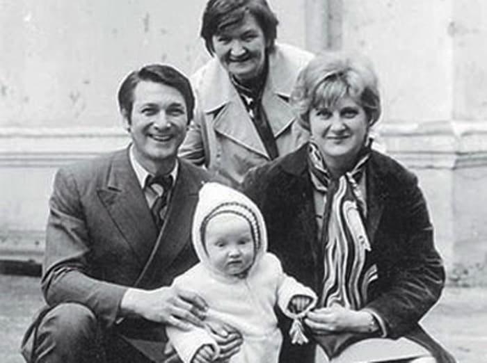 Актер с первой женой и сыном | Фото: kino-teatr.ru