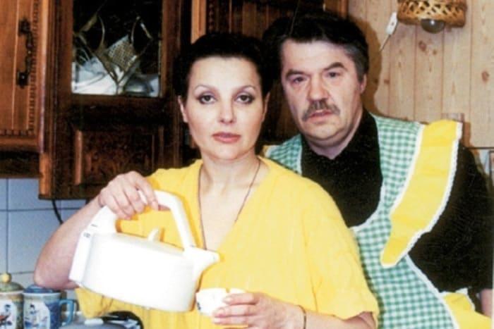 Актер с женой, актрисой Еленой Мольченко | Фото: 24smi.org