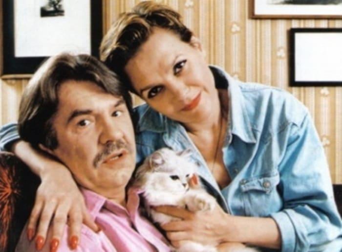Актер с женой, актрисой Еленой Мольченко | Фото: chtoby-pomnili.net