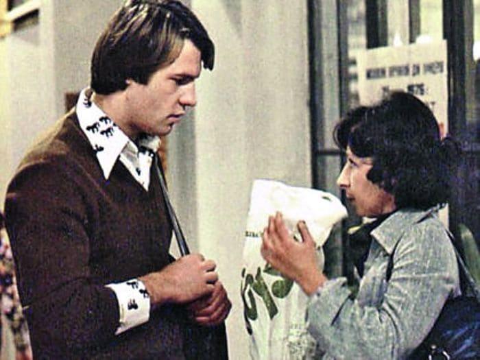 Вырезанный кадр из фильма *Служебный роман*, 1977 | Фото: sobesednik.ru