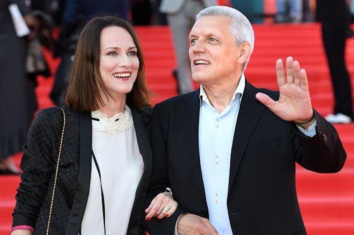 Актер с женой, Ириной Савицковой | Фото: aif.ru