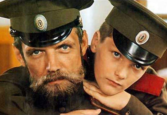 Кадр из фильма *Романовы. Венценосная семья*, 2000 | Фото: kino-teatr.ru