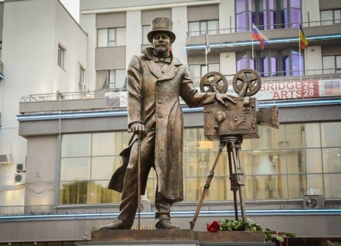 Памятник Александру Ханжонкову в Ростове-на-Дону | Фото: russkiymir.ru