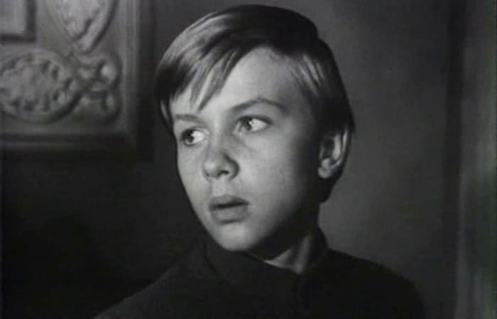 Юный актер Саша Милокостый   Фото: kino-teatr.ru