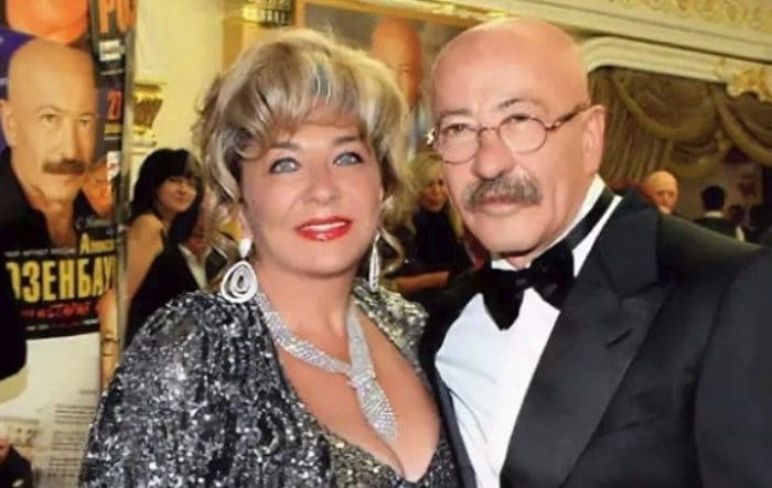 Александр Розенбаум с супругой Еленой | Фото: uznayvse.ru