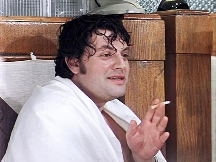 Александр Ширвиндт в фильме *Ирония судьбы, или С легким паром!*, 1975 | Фото: kino-teatr.ru