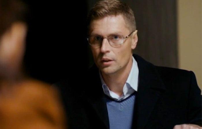 Александр Соловьев-младший в сериале *Напарницы*, 2016 | Фото: kino-teatr.ru