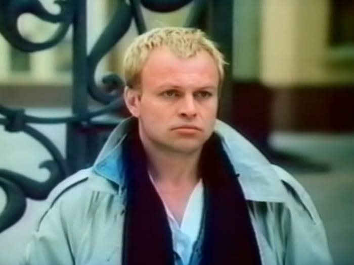 Кадр из фильма *По Таганке ходят танки*, 1991 | Фото: kino-teatr.ru