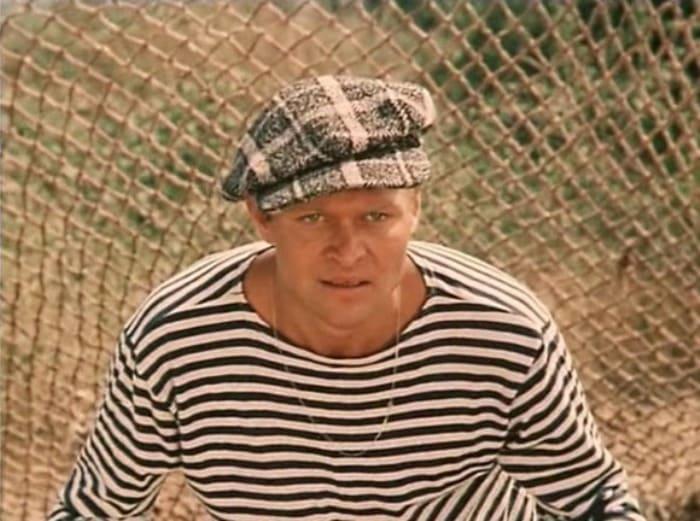 Александр Соловьев в фильме *Зеленый фургон*, 1983 | Фото: kino-teatr.ru