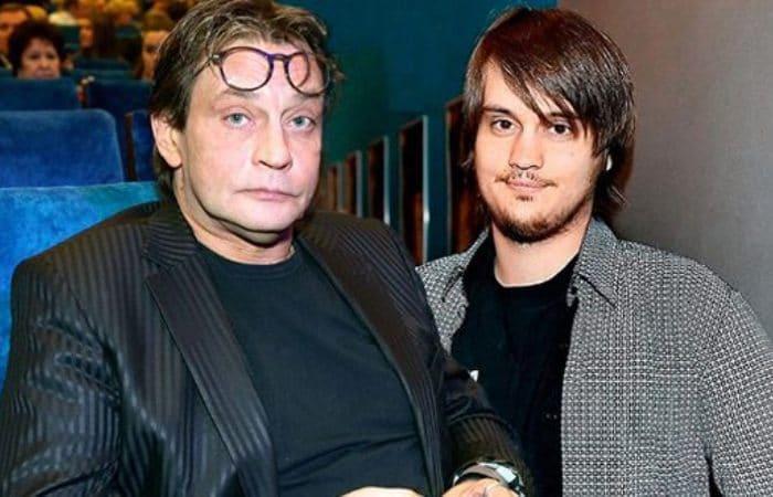 Актер с младшим сыном Александром   Фото: uznayvse.ru