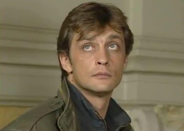Александр Домогаров в сериале *Бандитский Петербург*, 2000   Фото: kino-teatr.ru