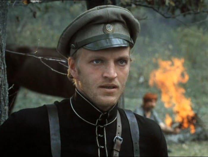 Кадр из фильма *Свой среди чужиÑ, чужой среди своиÑ*, 1974 | Фото: kino-teatr.ru