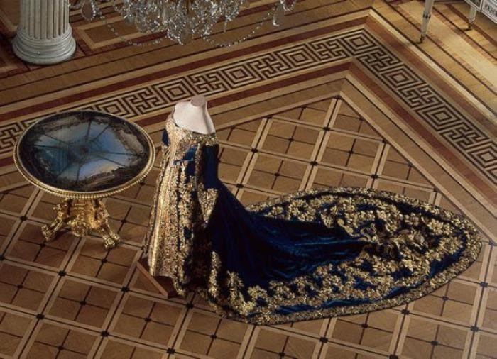 Парадное платье Александры Федоровны | Фото: livemaster.ru